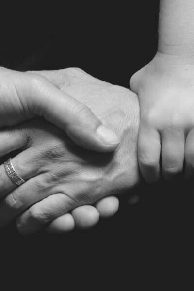 7 ways you can help someone when their spouse is battling cancer